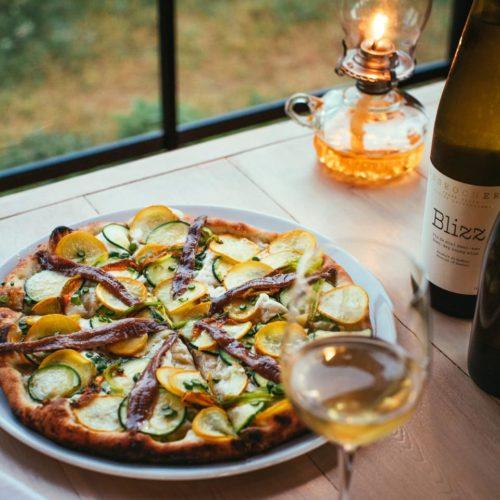 Présentation pizza et vin