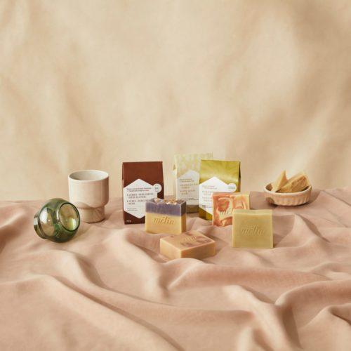 Présentation de produits de miel transformés