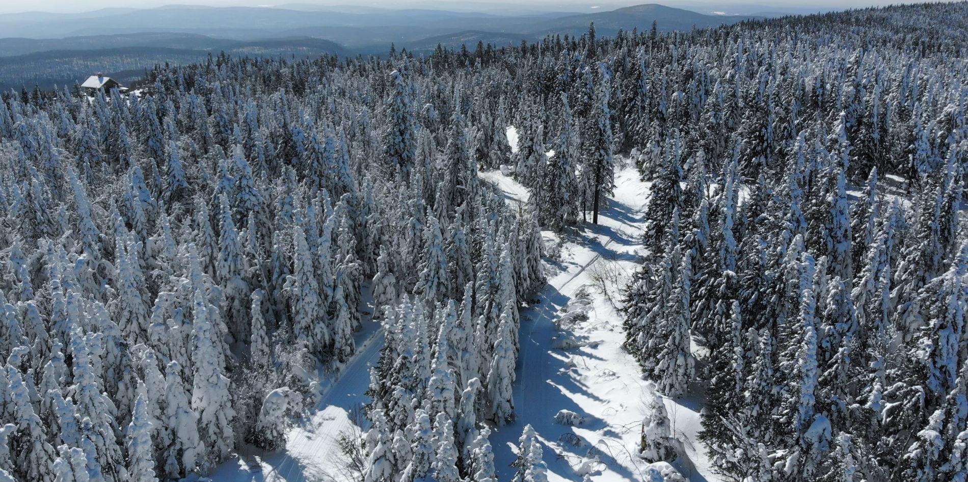 Montagne du diable, vue aérienne du relais