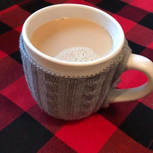 Tasse à café, chalet