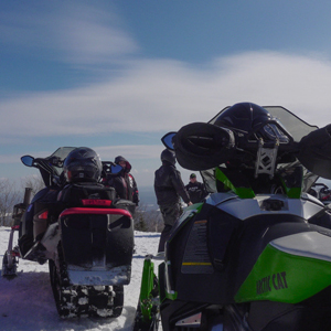Tourisme Hautes-Laurentides offre des expériences pour motoneigistes