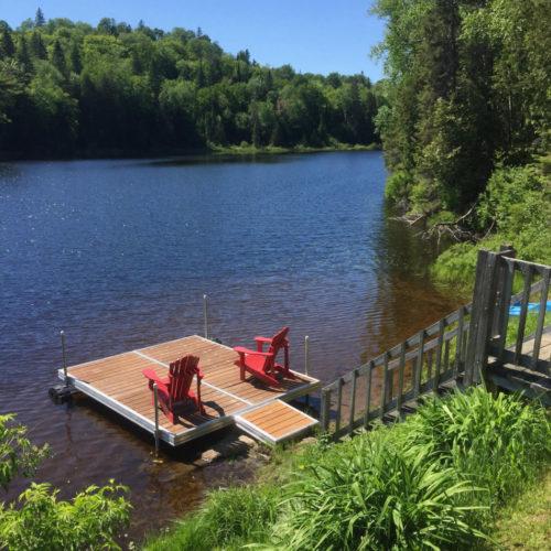 quai, bord de l'eau, vue sur le lac, chalet